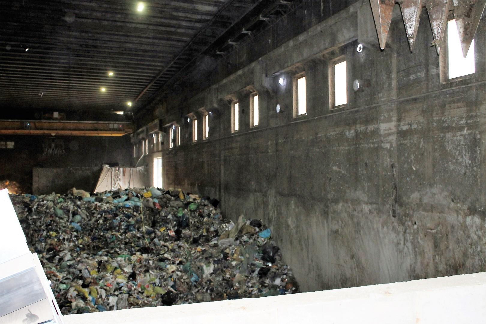 Iz mešanih odpadkov se bosta izločala predvsem embalaža in papir.