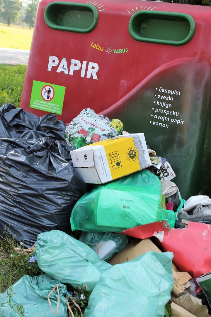 Odpadki ob eko otoku Žepina