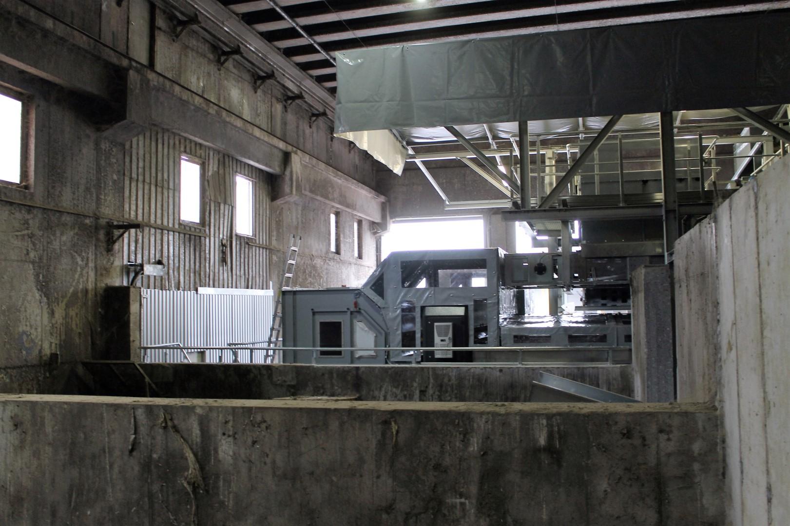 Pogled na novo napravo še z notranje strani hale MBO.