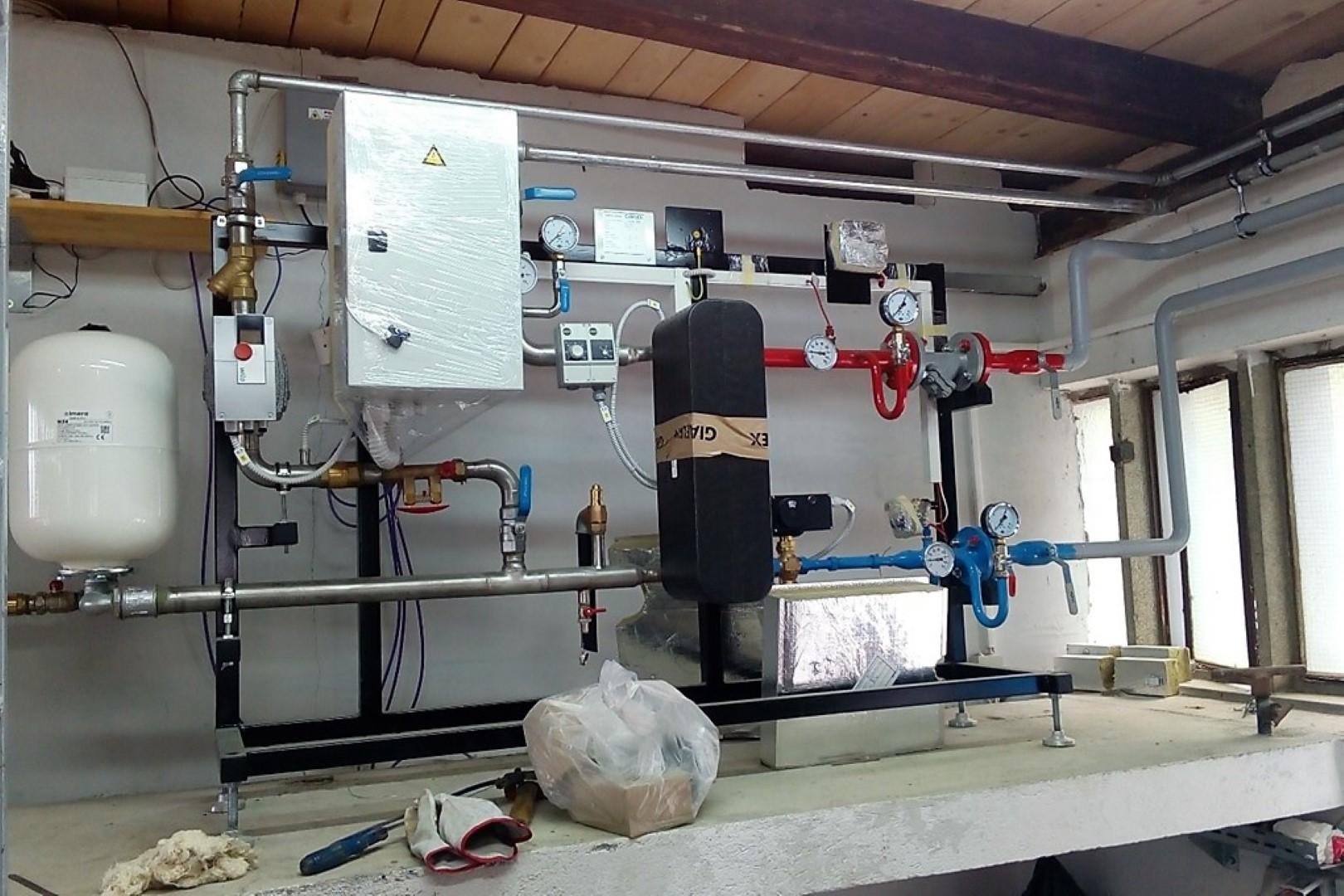 Toplotna postaja za ogrevanje vode na bazenu
