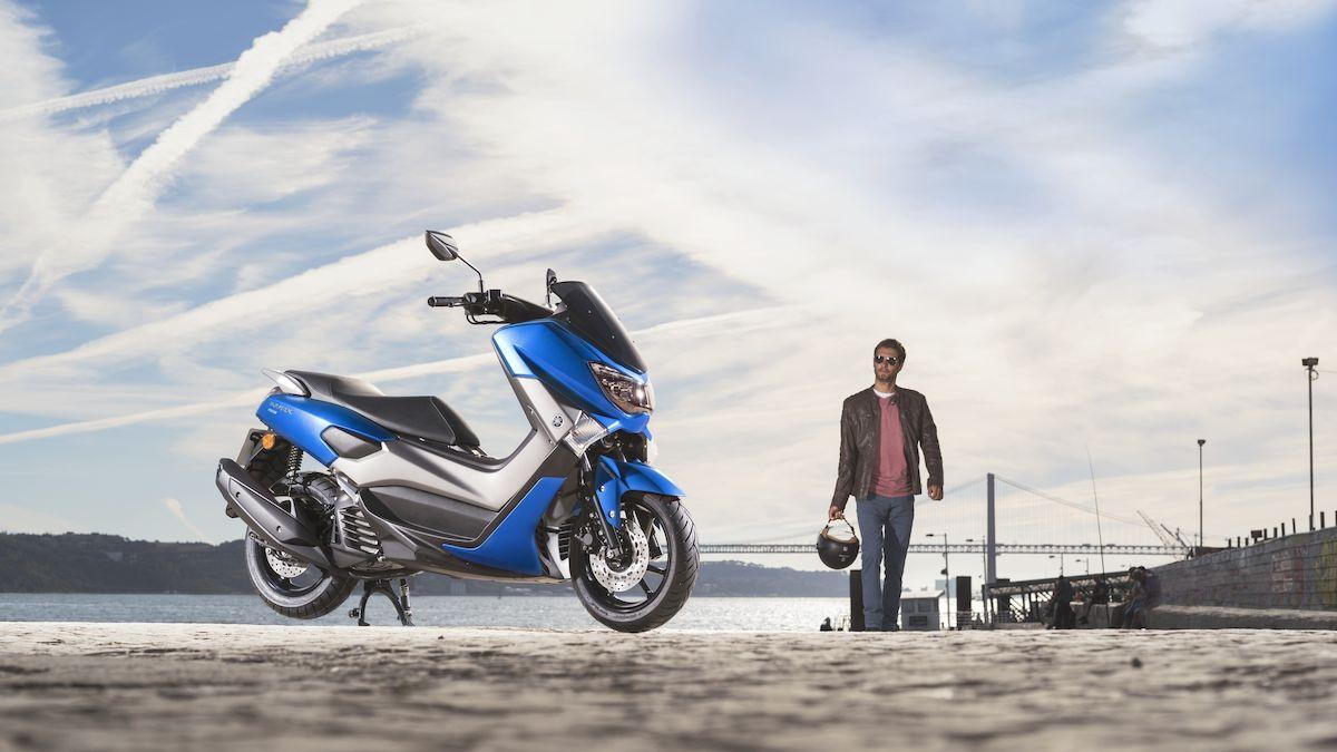 2018-Yamaha-GPD155-EU-Viper_Blue-Static-002-03_Tablet.jpg