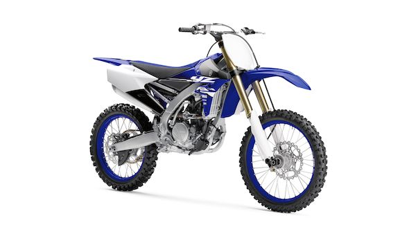 2018-Yamaha-YZ250F-EU-Racing_Blue-Studio-001-03_Mobile.jpg