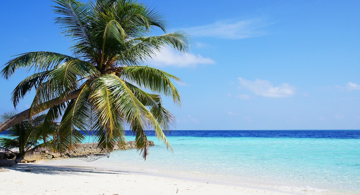 52245_maafushi-beach-maldives.jpg