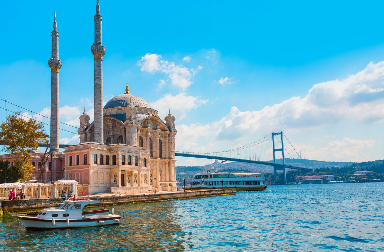 architecture-istanbul-18-ortakoy-mosque_1.jpg