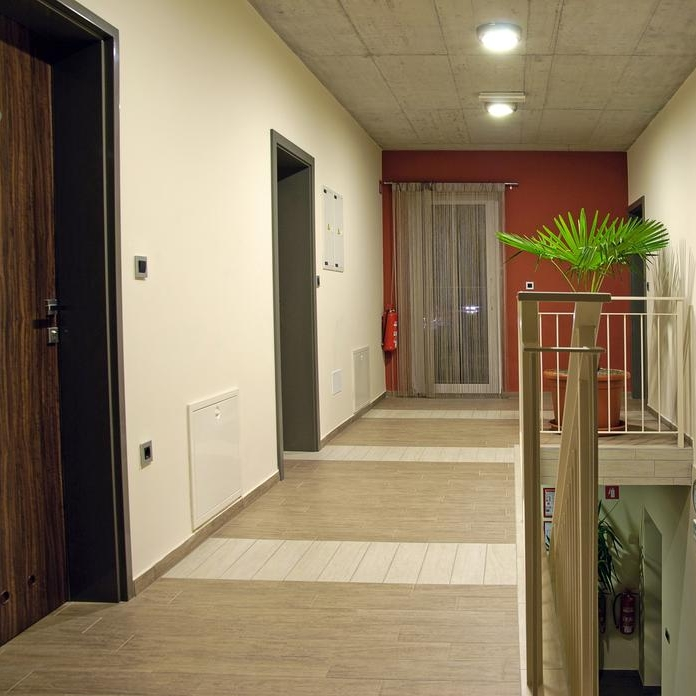 Hostel_Plus_Caffe-1.jpg