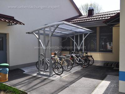 Kindergarten Škofja Loka (3 Fahrradräume + Fahrradständer)