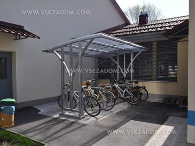 Vrtec Škofja Loka (3 kolesarnice+stojala za kolesa)