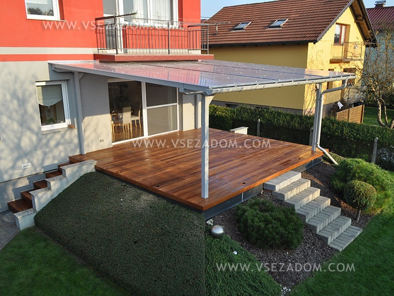 Postružnik U. (nadstrešek + lesena terasa)